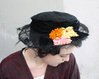 Vintage 1920s Lace Hat // 1910s 20s Black Lace Wide Brim Pierrette Hat with Millinery Flowers // Art Nouveau