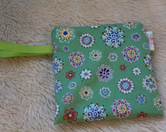 Green Mandala Flowers Snack Bag - Reusable Snack Pack - Eco Lunch - Back to School - Waterproof Bag  -  Ready to Ship