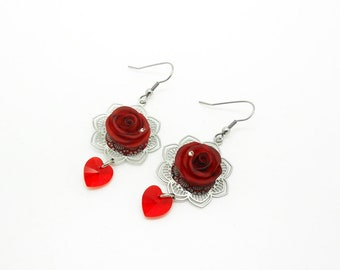 wedding: earrings with red roses, swarovski pearls and prints