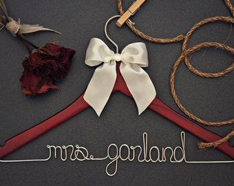 Bridesmaid Gifts. Bridesmaid Gift Sets. Personalized Hanger. Hanger Set. Hangar. Wedding Hangar. Dress Hangar. Maid of honor. MOH. MOB. MOG.