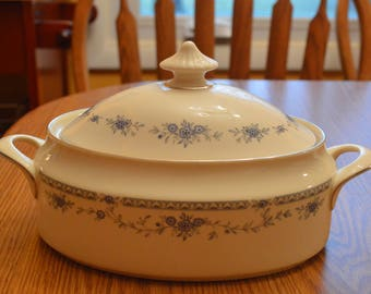 MINTON BELLEMEADE COVERED vegetable bowl
