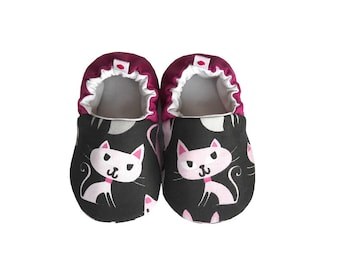 Kitty Baby Booties, Baby Shoes, Cotton Baby, Infant, Newborn, Kitten Shoes, Gray Pink