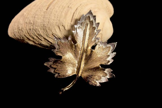 Maple Leaf Brooch, Sarah Coventry, Natures Choice Collection, Gold Tone, Silver Tone, Fashion Pin, Costume Jewelry, Collectible