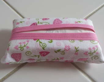 Tissue case large format pattern pretty hearts