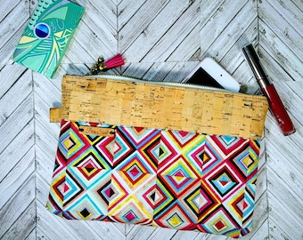Cork Wristlet / African Bag / iPhone Purse / Clutch Bag / Wristlet / Cellphone Clutch / Mothers Day Gift / Gift for Her / Wakanda