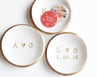 Personalized Ring Dish / Wedding Ring Holder / Initials and Date Jewelry Dish / Wedding Gift / Engagement Gift / Anniversary / Gift for Her