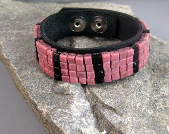 Pink rhodonite and black onyx mans bracelet, gemstone bracelet, beaded mens bracelet, native american bead work, mens fashion jewelry