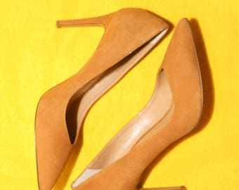Banana Republic Madison 12-Hour Heels Suede Leather Pump Size 6