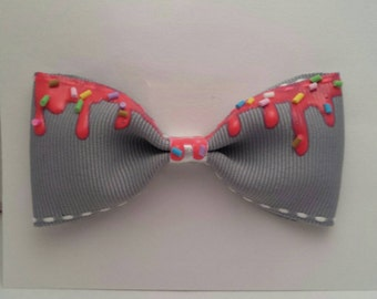 Gray Sprinkled Bow