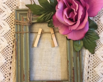 Distressed Green Clothes-pin Frame with Purple flower