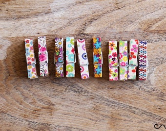 NEW Set of 10 Small 3.5cm Long Floral Wooden Cloth Pegs Wedding Party Craft Design A