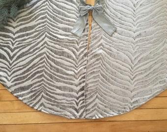 """Christmas Tree skirt, Modern tree skirt, Chenille Tree skirt, Silver tree skirt, Deluxe tree skirt, velvet Christmas tree skirt, 54"""", Gray"""
