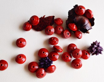 Set of 8 saucer paper beads, red, 0.59