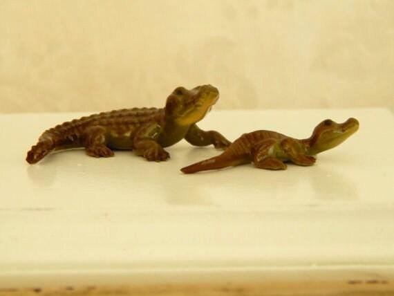fff1faea8175 Vintage Hagen Renaker Yellow Throated Alligator Collectible
