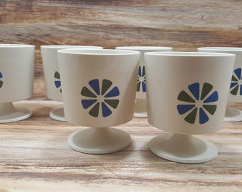 Set of 6 David Douglas Mid Century plastic footed cups, 1960s