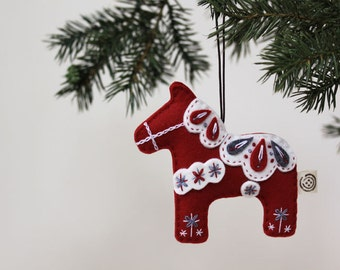 Nikkie's Felt Dala Horse Christmas Ornament-Red