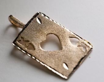 14 Karat Gold King of Hearts Pendant