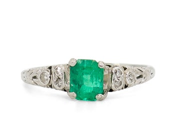 1.02 CARAT EMERALD & DIAMOND Ring | Platinum