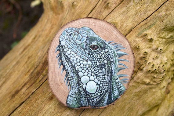 Gifts for Eco Warriors - Iguana Painting on Sustainably Sourced Wood Slice