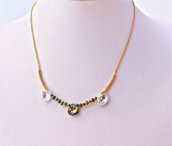 collier mariage  3 gouttes cristal swarovski, rocailles et chaîne plaqué or