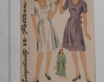 Simplicity 4942 Pattern Misses' Fitted Dress Vintage 1940's Size 14 Bust 32