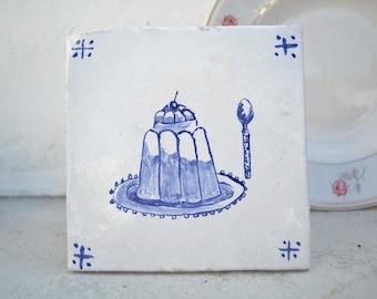 "Handmade stoneware tile ""cake"""