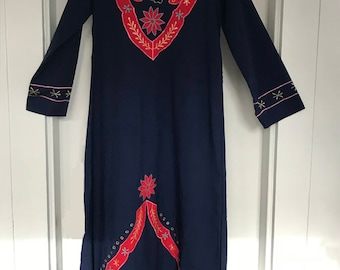 1970's Vintage Navy and Red Embroidered Caftan