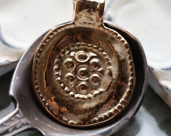 FLORAL MEDALLION No. 3 .. 1 Mykonos Greek Round Charm Beads 19x24mm (M118-1)