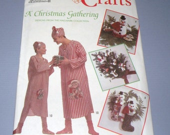 Simplicity 9348 A CHRISTMAS Gathering with Hallmark UNCUT