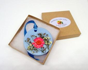 Floral wax tablet, English Garden air freshener, flower wax sachet, housewarming gift, dried flowers, botanical sachet, summer decor