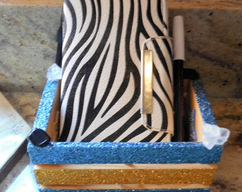 Phone, note and pen holder #124