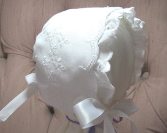 Newborn Baby Bonnet, Christening Bonnet, Baptism Bonnet,Sun Bonnet,Eyelet Baby Bonnet with Ruffle, Easter Bonnet, Heirloom Bonnet, Baby Hat
