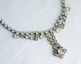 beautiful vintage rhinestone necklace