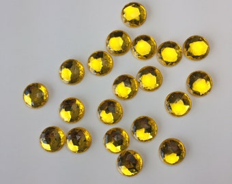 Vintage acrylic lucite faceted cabochon - Lemon yellow - 15mm round - 20 pieces