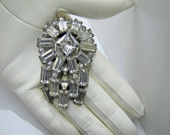 1930s Art Deco Eisenberg Original Silver Crystal Dress Scarf  Clip. Art Deco Brooch. Emerald Cut Rhinestones Geometric Design. Vintage Bride