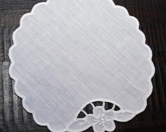"""Sicilian Linen """"Intaglio"""" Glass Mat"""