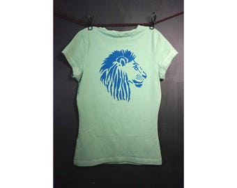 tee shirts women, printed shirt, graphic tee, jungle tribe, african art, poweranimal, Lionhead, screenprint, Gift for girlfriend, Size Small