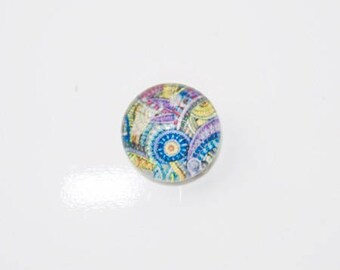 Featuring 10mm Paisley glass cabochon