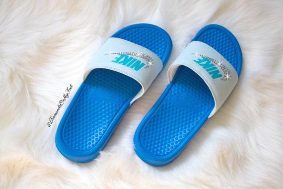 With Nike Women's Nike Swarovski Sandals Custom Blinged Royal Slides Clear Out Blue Bling JDI Swarovski Benassi Authentic Swoosh Crystals Spvqw5