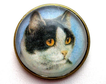"Black & 1White CAT  button, Domed studio glass button. 3/4"", 22mm. handmade. Vintage style."