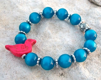 Bracelet Blue Beaded Bird Vintage Lucite Pearlized Round Beads with Deep Pink Howlite Bird Bead Stretch Bracelet