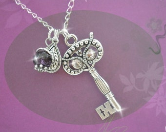 Necklace - the secret key of the Owl - Vintage owl necklace owl in silver colored link chain