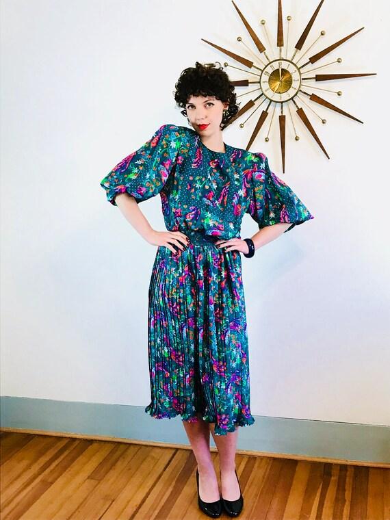 DIANE FREIS dress, Vintage 1980s dress, Gypsy scarf Dress, Big Puff Sleeve, Dark Green, Boho hippie dress, Accordion pleat, 80s Travel Dress