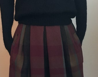 "1980's Burgundy/Grey/Black Wool Plaid High Waist Skirt with Two Pockets/24"" Waist/xs"