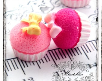 2-10 PCS X 18mm Pink Strawberry Flavor Cupcake Cabochon w Ribbon Bow Cabochons Kawaii Food Dollhouse Sweets Cup Cake Resin Flatback CK03Y