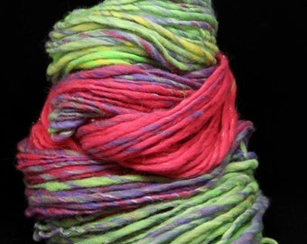 SMILE - Handspun Single Ply Yarn - merino silk stellina - Art Yarn - Bulky