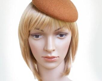 Bibi béret rétro brun cannelle, chapeau de soirée style et élégance, fait sur commande en 16 coloris