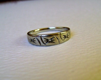 vintage gypsy style wedding ring in white gold, size 6