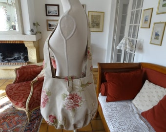 Large shoulder bag in a coordinated fabric with pink linen look