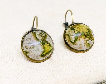 Map Earrings, Globe jewelry, Map Jewelry, Antique map, Dangle earrings, Vintage map, Gift for traveler, Beige earrings, Glass dome, Brass
